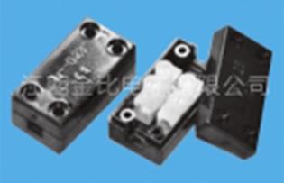 PA8 104 230 2位接线盒